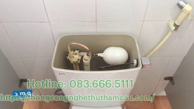 Xả hết nước trong bồn chứa nước